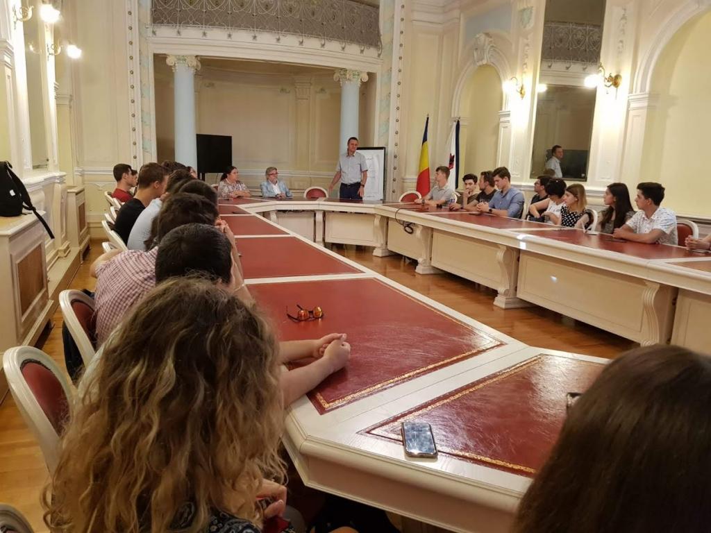 40.000 de euro – burse de excelență pentru proiecte inovative studențești