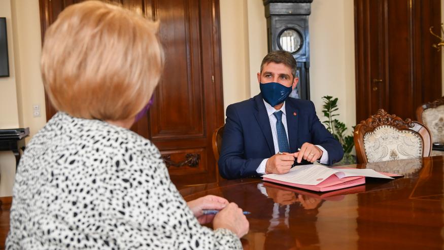 """Primăria Sibiu și Universitatea """"Lucian Blaga"""" din Sibiu colaborează  pentru inovare și cercetare"""