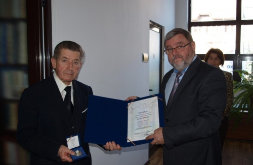 Awarding the medal and inauguration of the office of Prof. univ. Dr. h.c. Victor Grecu