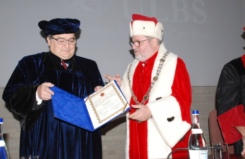 Awarding the title of DHC ES Emil Hurezeanu
