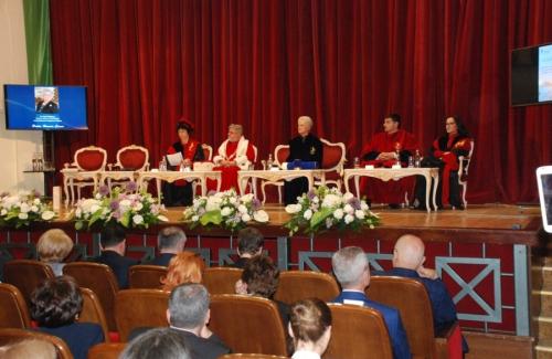 Awarding the title of Doctor Honoris Causa A.S.R. Muna AL-HUSSEIN